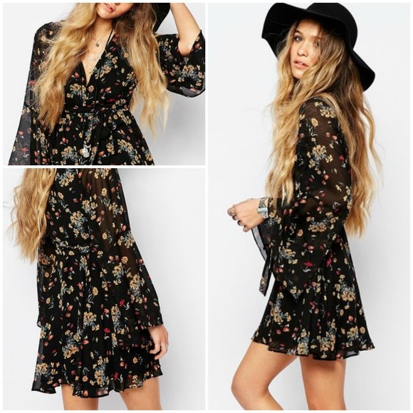 🎉 40% OFF Free People Lilou Black Floral Dress
